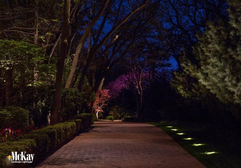 driveway lighting ideas for safety and curb appeal. Black Bedroom Furniture Sets. Home Design Ideas