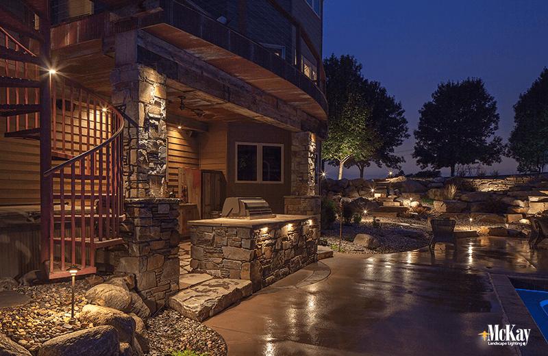 outdoor kitchen grill lighting ideas