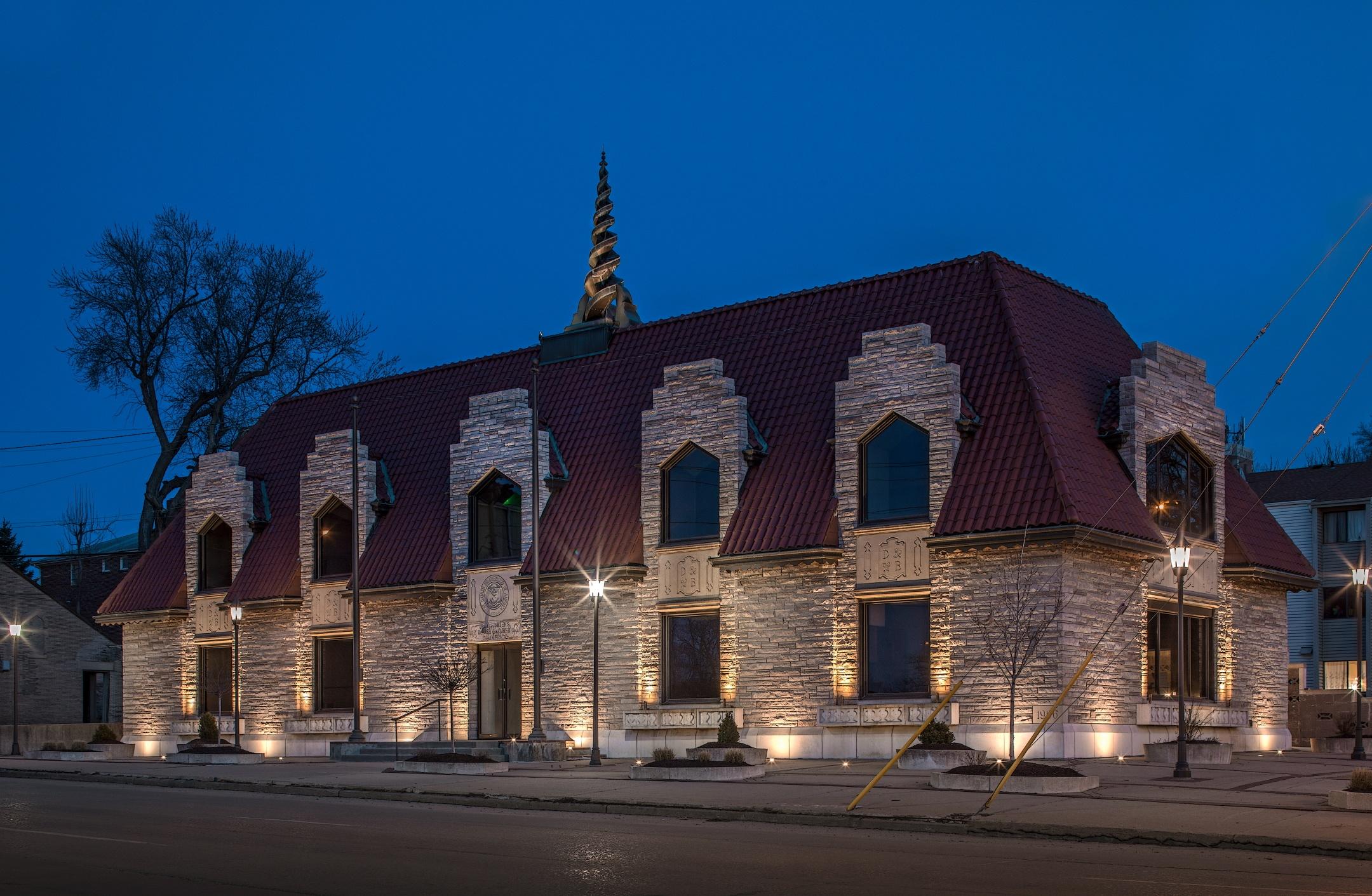 lighting historic commercial buildings with Low voltage landscape lighting omaha nebraska