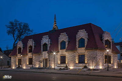 Outdoor-Lighting-Historic-Bussines-Building-Omaha-Nebraska-McKay-Landscape-Lighting