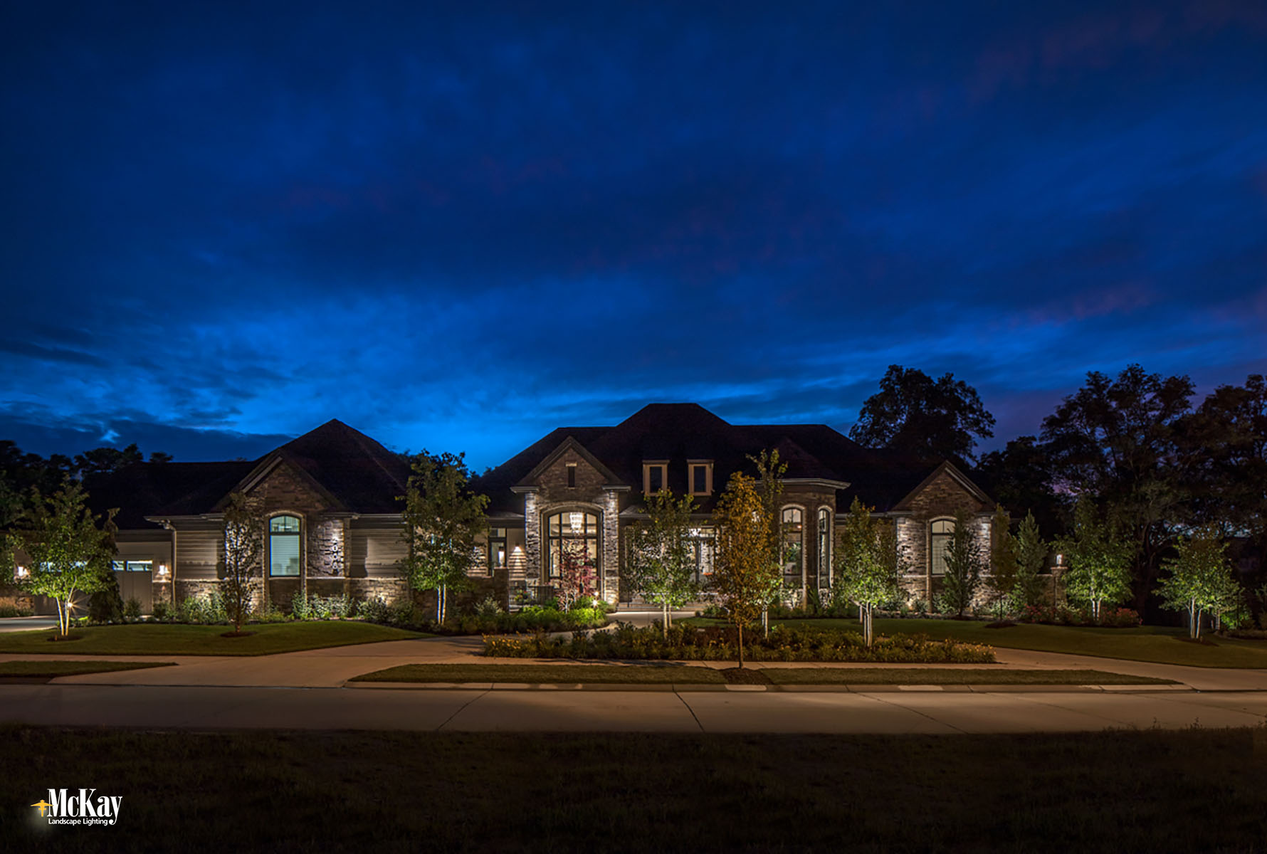 Professional Outdoor Lighting Services Omaha Nebraska - Low-Voltage Landscape Lighting Omaha Nebraska